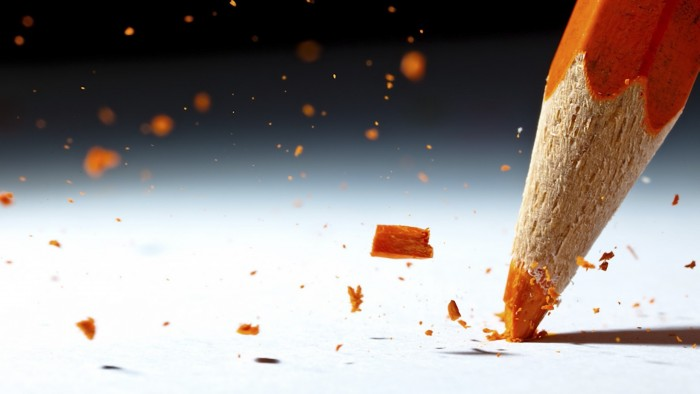 pencil_break_debris_paper_color_17735_2560x1440